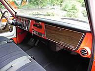 72_gmc_sierra_grande_inside_passenger.jpg