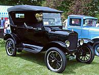 1925_Ford_Model_T_Touring.jpg