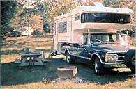 GMC_n_Amerigi_camper.jpg