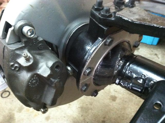Dana 44 closed knuckle disc brakes - The 1947 - Present