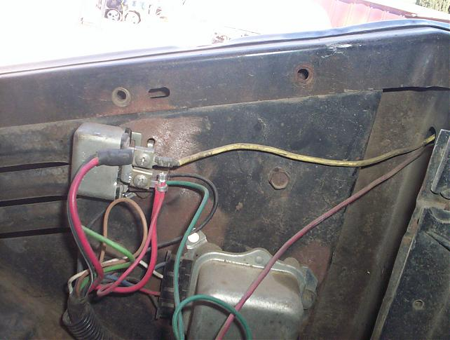Horn Relay what dose it do 1946--1972 trucks - The 1947 - Present ... how to wire a car horn to a push button 67-72 Chevy Trucks