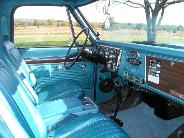 Bucket Seats For Chevy Truck >> Bucket Seats And Consoles The 1947 Present Chevrolet