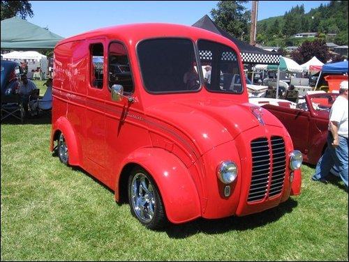 2 DIVCO trucks spotted     got milk? - The 1947 - Present