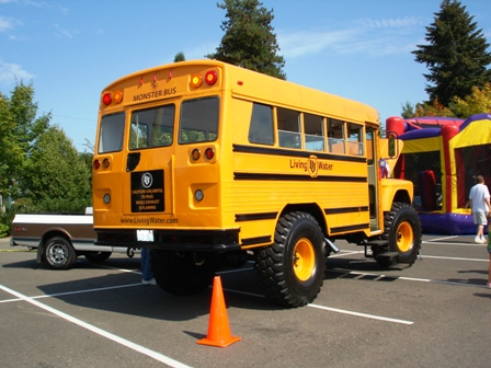 4x4 School Bus with Tow Hooks??? - The 1947 - Present