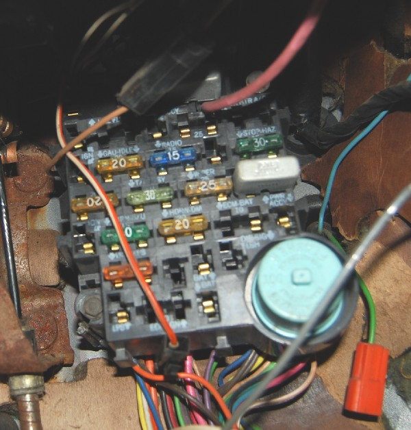 1986 gmc sierra fuse box suburban wire auto wiring diagram 2004 GMC Sierra Fuse Panel 1986 gmc sierra fuse box image