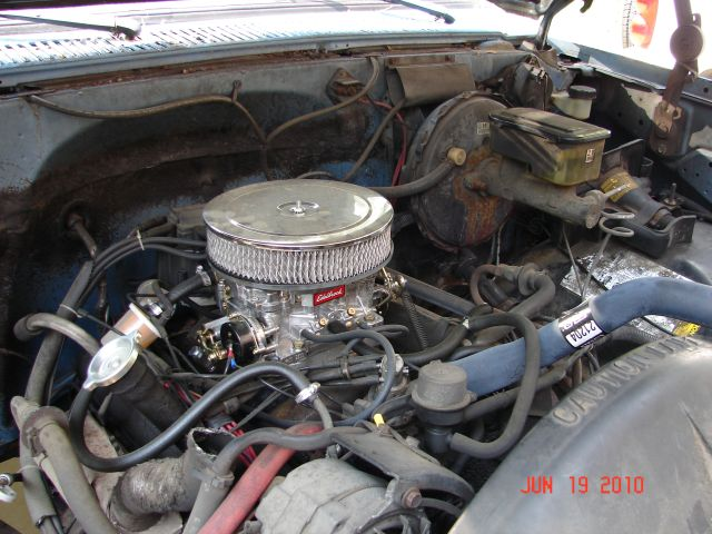86 C-10 305 with new Edelbrock 1406 - The 1947 - Present