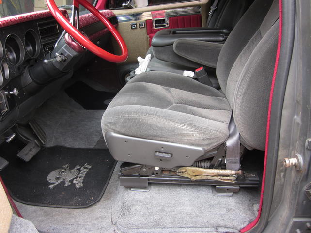 Surprising Has Anyone Put 03 Silverado Seats In A 73 87 Chevy The Beatyapartments Chair Design Images Beatyapartmentscom