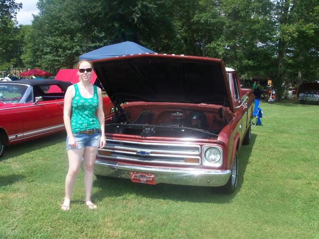 67 72 Chevy Truck Forum >> Pics Of Ladies With 67 72 Chevy Trucks The 1947 Present