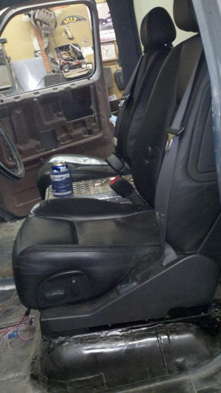 Cadillac CTS seat swap  - The 1947 - Present Chevrolet & GMC Truck