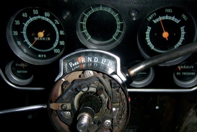 Automatic column shift lingage adjustment - The 1947