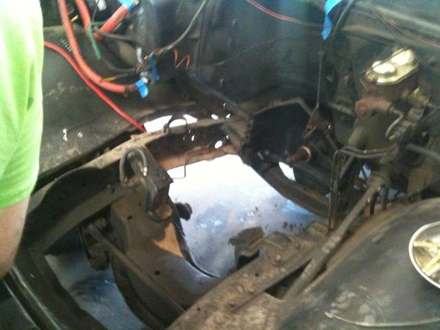 Name:  Empty engine compartment.jpg Views: 327 Size:  45.0 KB