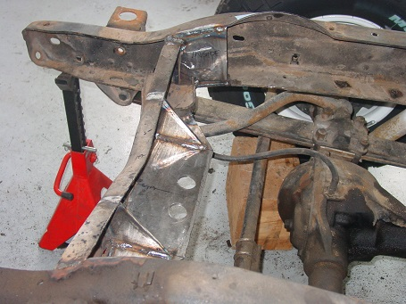 Name:  Front Engine Mount side - small.jpg Views: 4013 Size:  80.1 KB