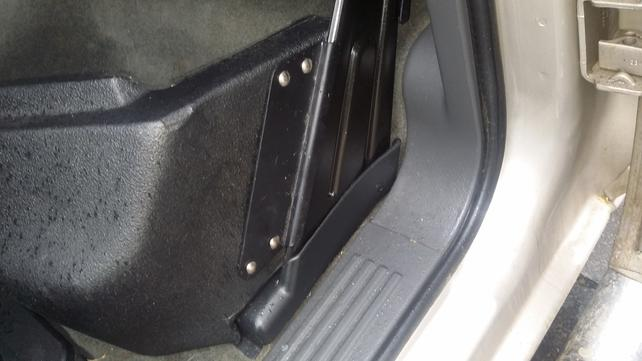 Name:  under seat 1.jpg Views: 462 Size:  29.8 KB