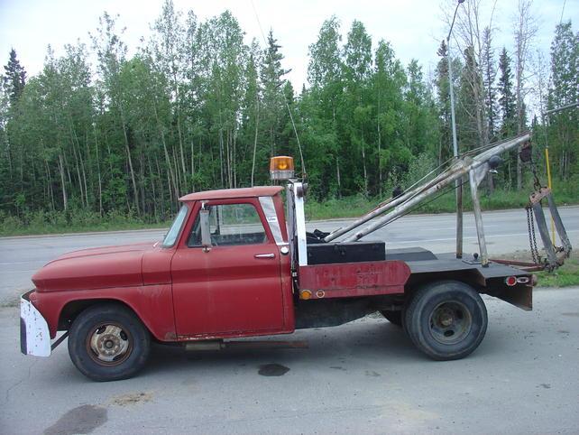 Name:  18jul13 North Pole tow truck (1).jpg Views: 3326 Size:  66.5 KB